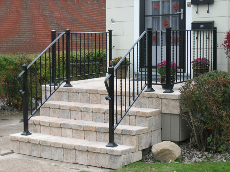 Ordinaire Post To Post Style Was Designed To Replicate Wood And Vinyl Railings In  Appearance But Fabricated With Maintenance Free Aluminum.